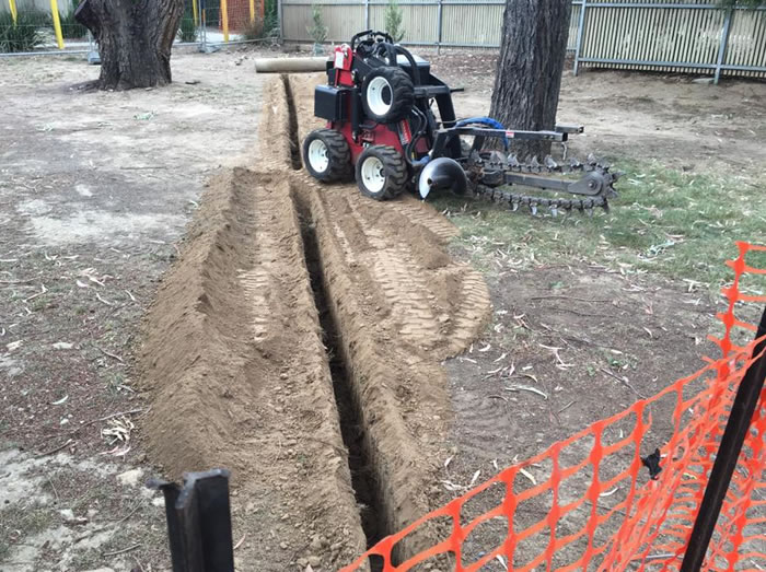 Mini digger hire canberra
